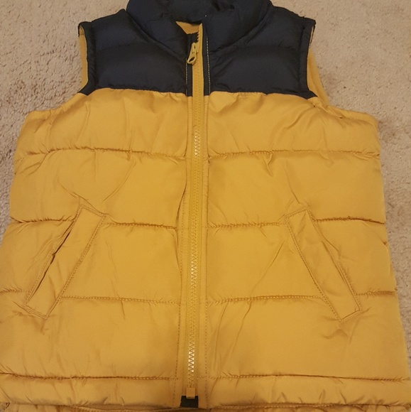 cf5511ab7b3 Old Navy Jackets & Coats | Kids Puffer Vest | Poshmark